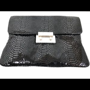 Womens michael kors black patent clutch